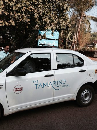 The Tamarind Hotel: Goa taxi back and forth to the beach parties