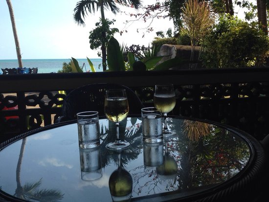Blu' Beach Bungalows: apero time
