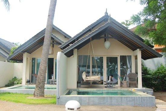 Lilin Lovina Beach Hotel: Building