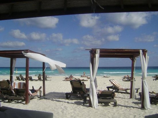 Hyatt Zilara Cancun : beach beds