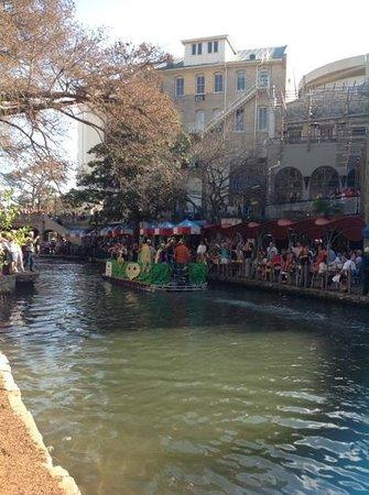 Hyatt Regency San Antonio: Mardi Gras float parade outside Hyatt Riverwalk