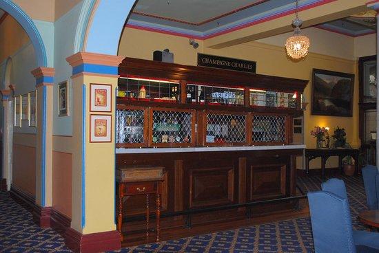The Carrington Hotel: Bar area