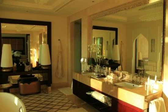 One&Only The Palm Dubai: Badezimmer