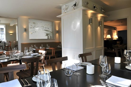Crown at Woodbridge: Dining rooms