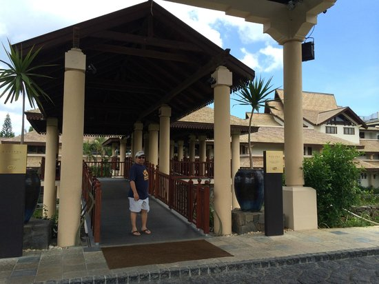 Sofitel Mauritius L'Imperial Resort & Spa: Lobby entrance to the resort