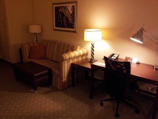 Residence Inn Savannah Downtown / Historic District : Desk