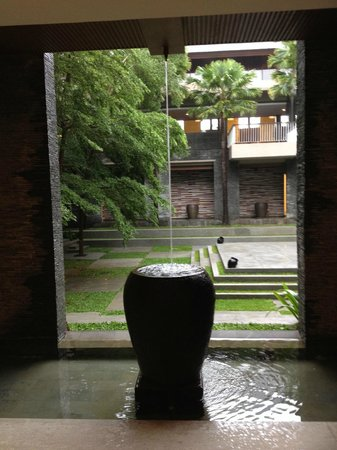 Courtyard by Marriott Bali Nusa Dua Resort : Rain water caught in a cistern