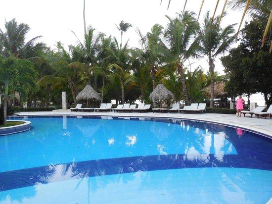 Luxury Bahia Principe Cayo Levantado Don Pablo Collection : Lower Pool By Beach