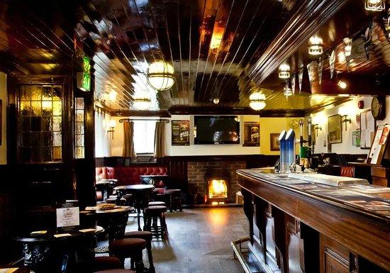 The Diamond Inn: Bar