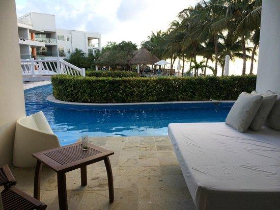 Secrets Aura Cozumel: room 1415 the other swim up patio