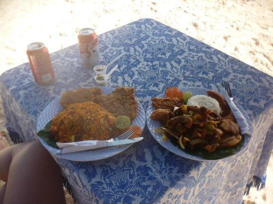 Rocky Cay : Platos deliciosos y en la playa