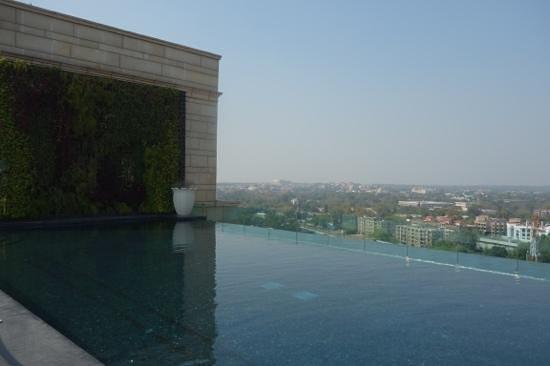 The Leela Palace New Delhi: pool on roof