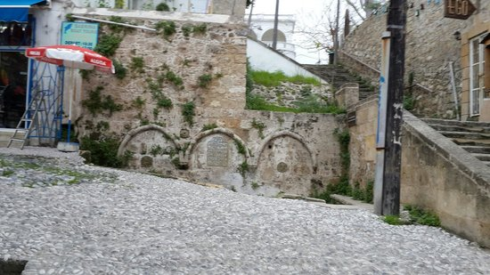 Hasan kavizade huseyin efendi fountain and stone steps