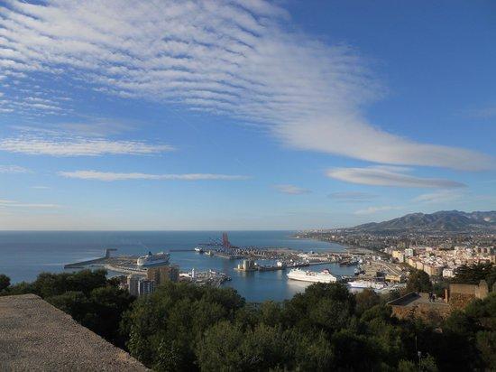Castillo de Gibralfaro : Stunning views down the coast
