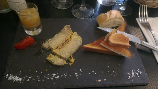 CARPE DIEM: Fois gras et son délicieux confit d'oignon