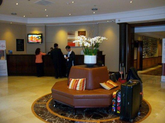 London Marriott Hotel Maida Vale : Hall d'entrée