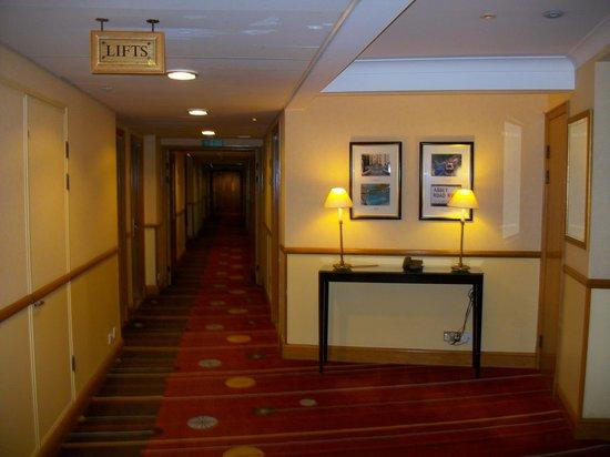 London Marriott Hotel Maida Vale: Couloir