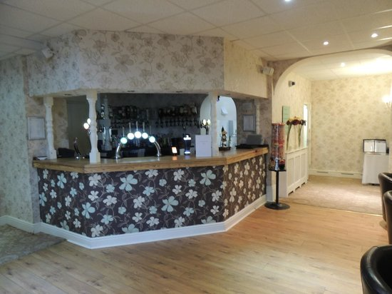 The Wroxeter Hotel: bar