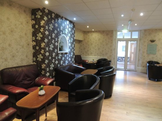 The Wroxeter Hotel: hotel bar