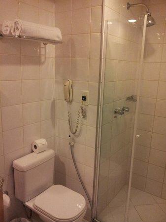 Monreale Sao Jose dos Campos: Shower