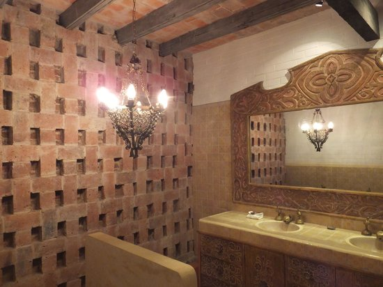 Casaluna Hotel Boutique : Bathroom