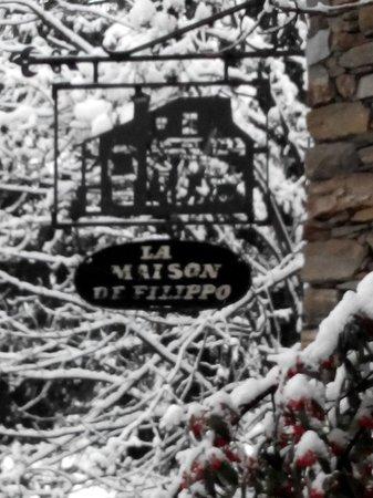 La Maison de Filippo: Insegna originale in ferro battuto versione invernale!