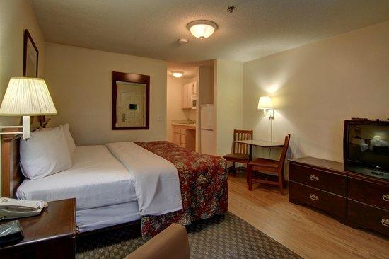 Stockbridge Extended Stay Hotel: King Studio