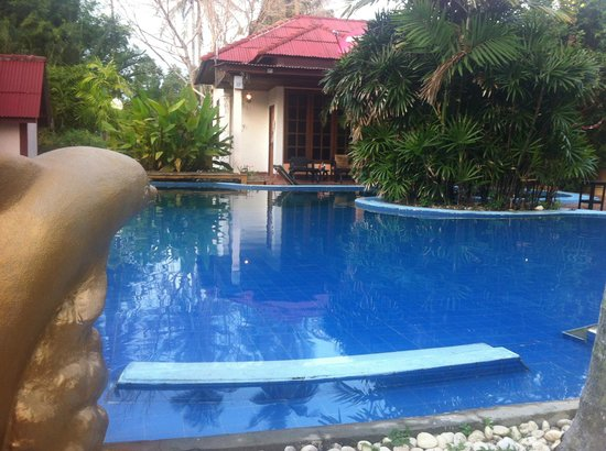 Majestic: Hard Road Villa pool