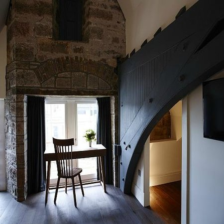 Old town chambers updated 2018 prices hotel reviews for Unique interiors