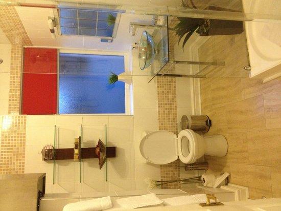 Beech Bank Bed & Breakfast: Bathroom