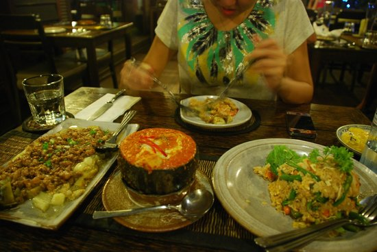 The Sugar Palm: great spread: Eggplant, Fish Amok (MUST TRY!!!!) and Fried Rice