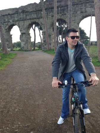 The Red Bicycle Touring Organisation - Day Tours : Appian Way