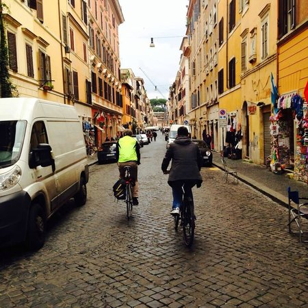 The Red Bicycle Touring Organisation - Day Tours : In the city center