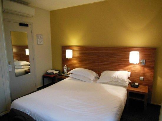 Hotel Gabriel Paris-Issy: Habitación