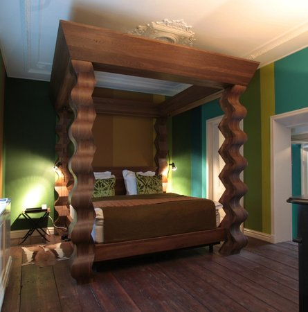Boutique B&B Kamer01: Green Suite 4 poster bed