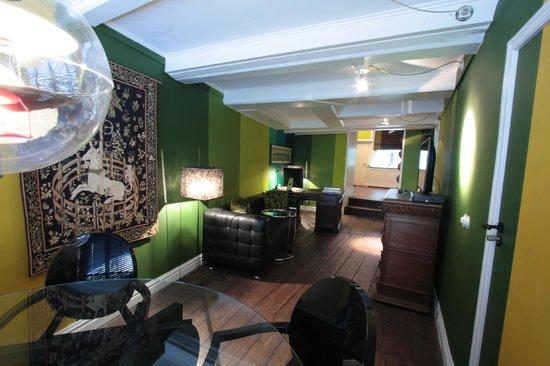 Boutique B&B Kamer01: Green Suite Living room