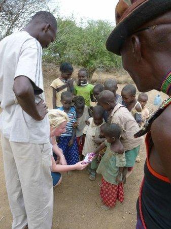 Eyes on Africa Safaris: Meeting the local kids
