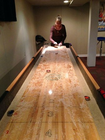 Blackwell Hotel: Shuffle Board (downstairs)