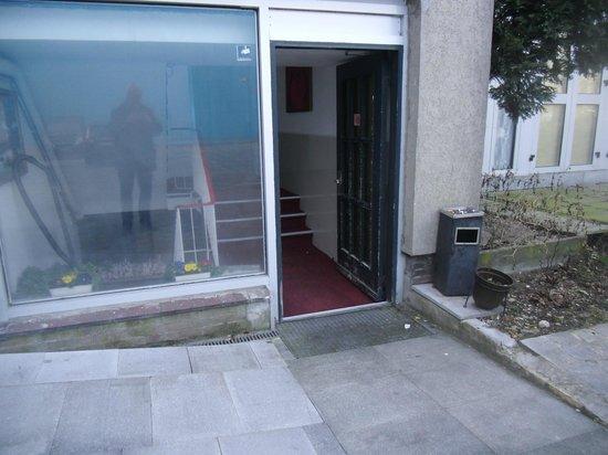 Hotel Zollhof: Der Eingang zum Bettenhaus