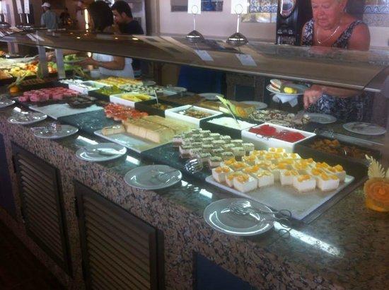 Hotel Riu Emerald Bay: FOOD!