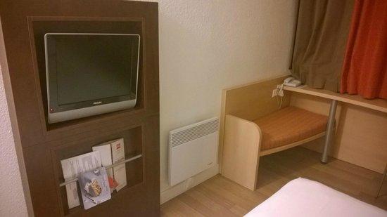 Hôtel Ibis Pontarlier : TV
