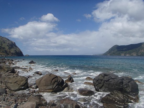 Soufriere Scottshead Marine Reserve : Scotts Head - colors are a bit brighter in person.