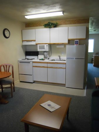 Affordable Corporate Suites Waynesboro: Kitchen