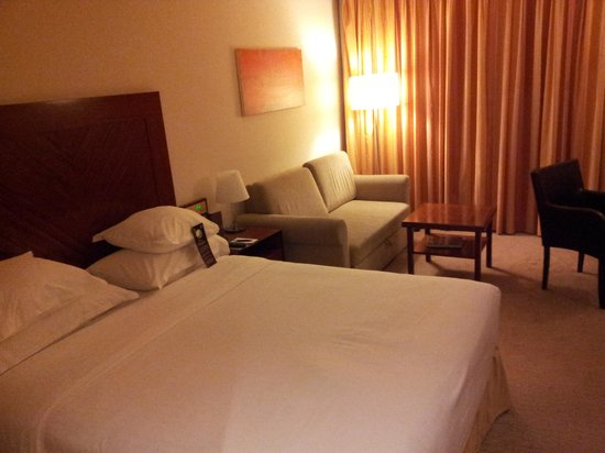 Sheraton Tel Aviv Hotel : Bedroom