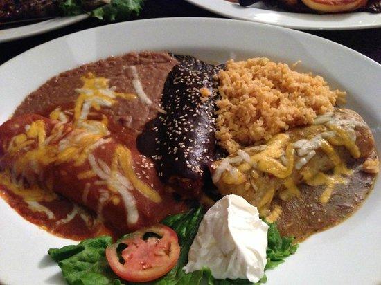 Pueblo Lindo : Enchiladas Jalisco