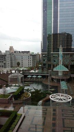 Omni Los Angeles at California Plaza: Rainy LA Day