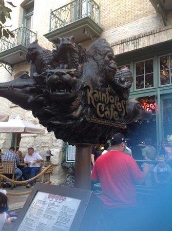 River Walk : Rainforest Cafe on the Riverwalk San Antonio