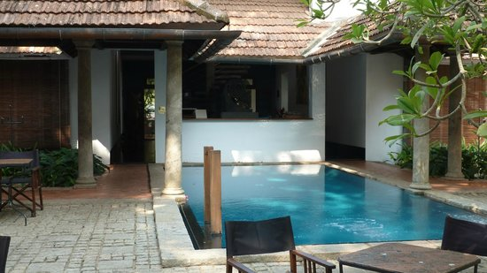 Malabar House: Back of reception area and pool