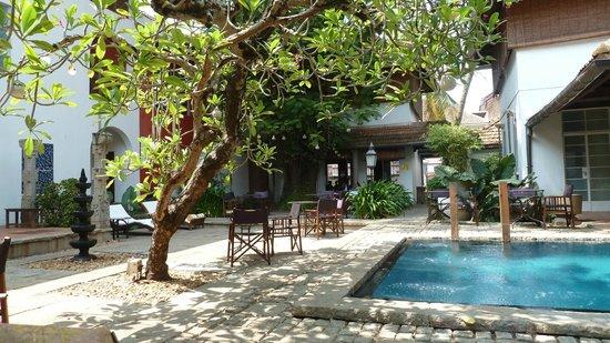 Malabar House: Pool
