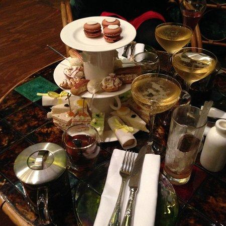 sketch Glade: Afternoon tea!